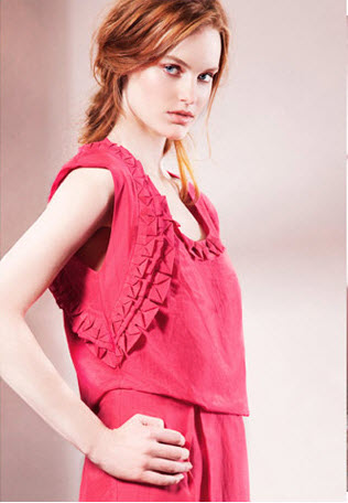Stunning color, simple yet girly ruffles and a drapy, comfy style that is to die.